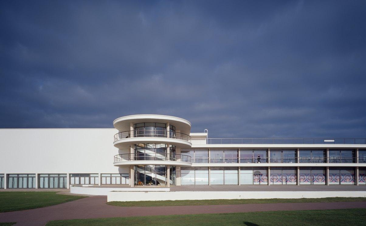 John McAslan + Partners. De La Warr Pavilion.