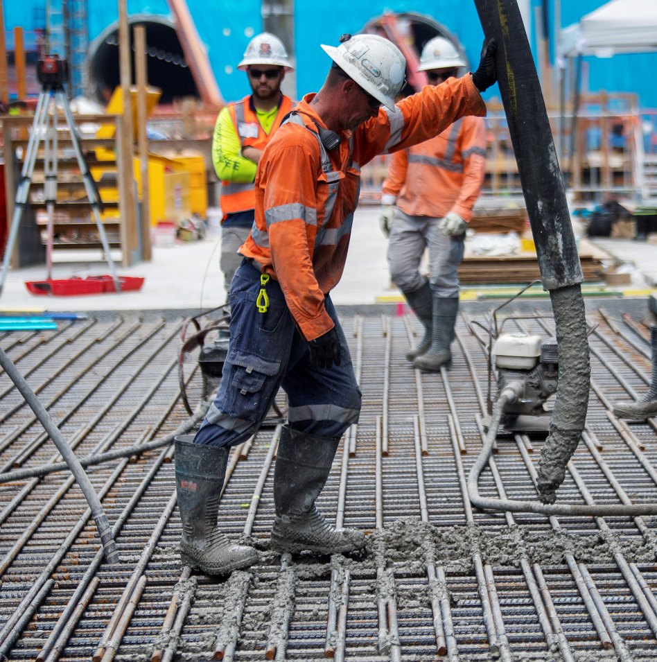 Steel reinforcement was installed before 1.4 metre thick slabs of concrete were poured in 18 x 23 metre sections to gradually form the floor of the station structure.