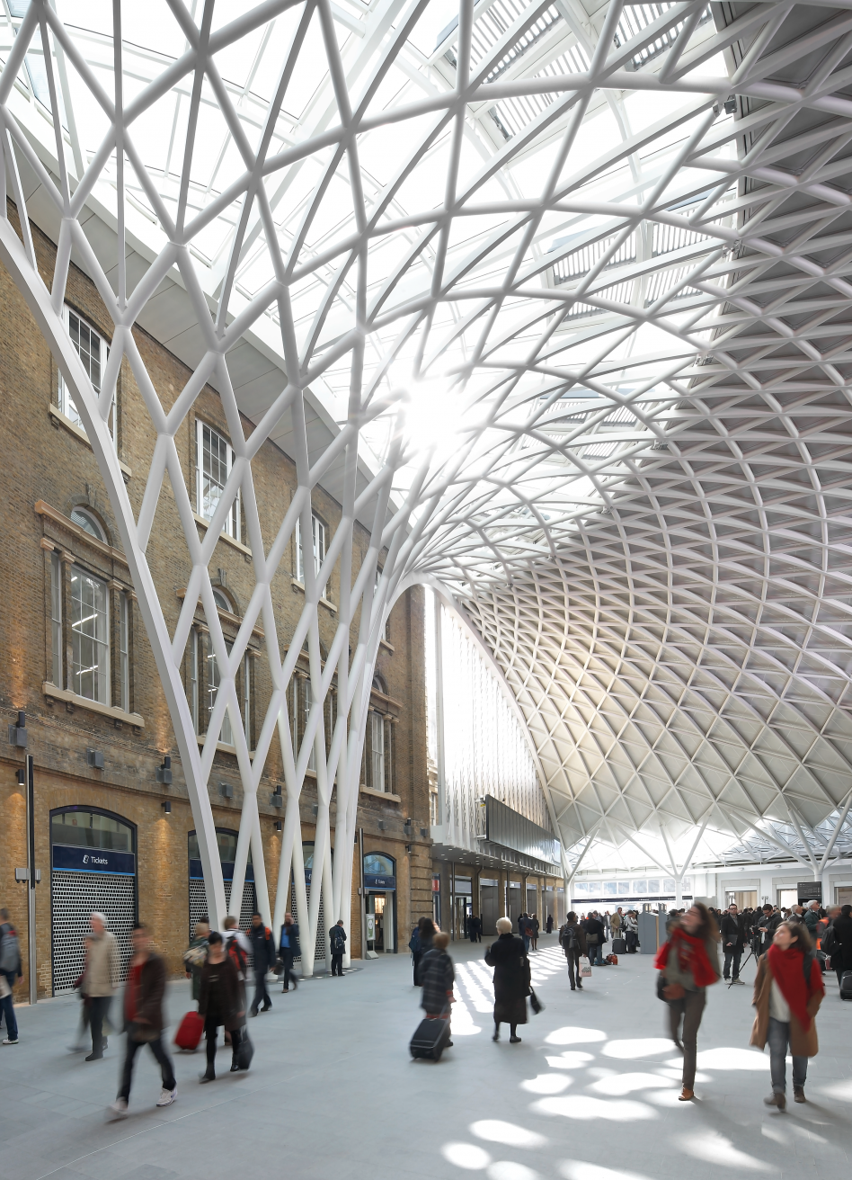 John McAslan + Partners. King's Cross Station. Concourse.