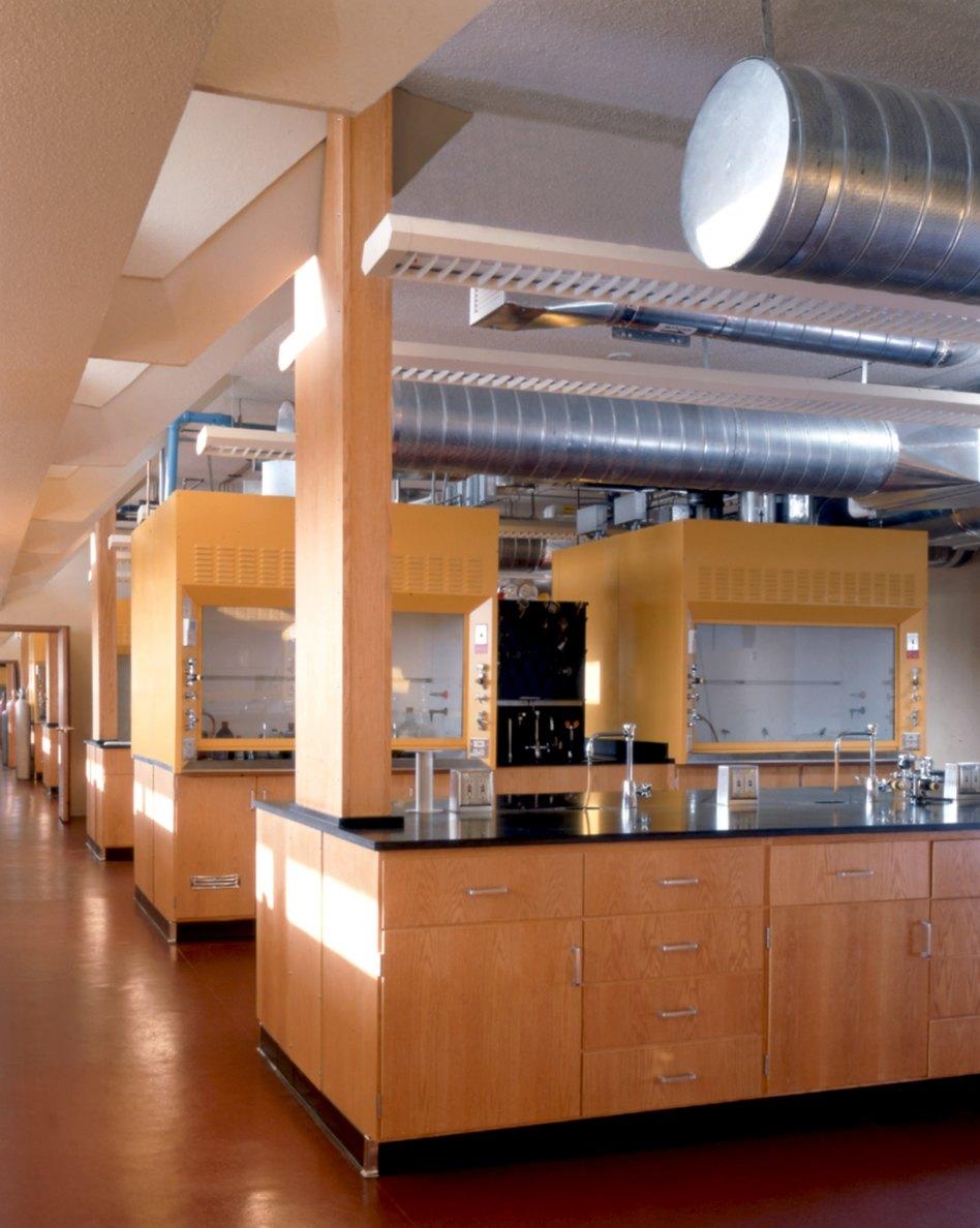 John McAslan + Partners. Florida Southern College. Polk County Science Building. Laboratory.