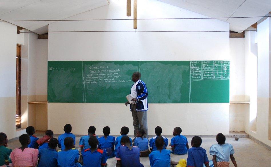 John McAslan + Partners. Malawi Schools. External View. Internal View.
